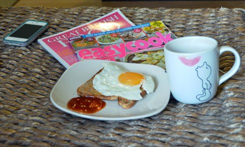 Perfect Sunday! Eggs, foodie magazines and tea :)