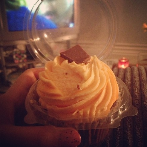 Creme Egg cupcake by Fancie