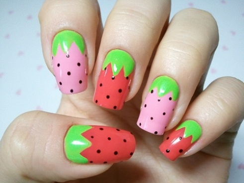 I love strawberry nails, they look delicate in pink!